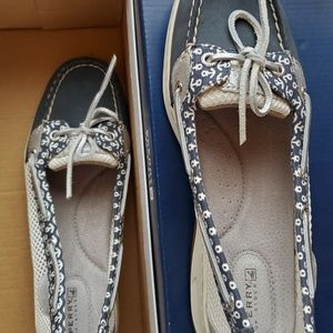 Womens sperry shoes 8.5M